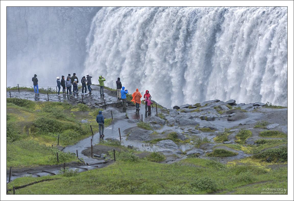 Исландия: мощь Европы - Деттифосс. Фоторепортаж водопада, конечно, Деттифоссу, Исландии, Деттифосса, Деттифосс, метров, водопад, сначала, берег, каньона, дороги, север, стороны, назад, стороне, потом, всего, каньон, цветовой