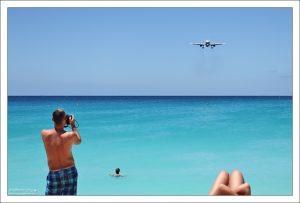 Самолет приближается к пляжу Махо.