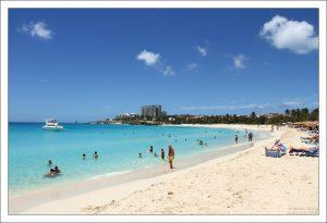 Кефалевый пляж - Mullet Bay beach.