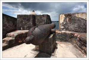 Большая часть пушек Эль Морро расположена почти на уровне моря, чтобы иметь возможность обстреливать днища кораблей.